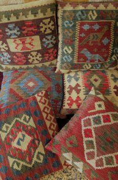 Almofadas kilim